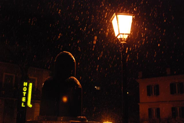 You are browsing images from the article: La neve del 24 marzo 2008 nei Castelli Romani