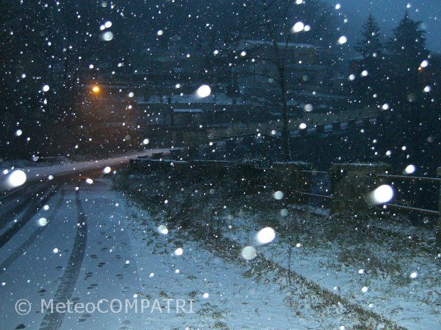 You are browsing images from the article: La neve del 26 gennaio 2006 nei Castelli Romani