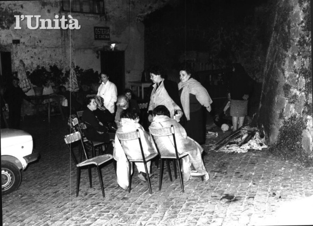 You are browsing images from the article: Quando i terremotati eravamo noi: le foto dei Castelli Romani durante lo sciame sismico del 1981